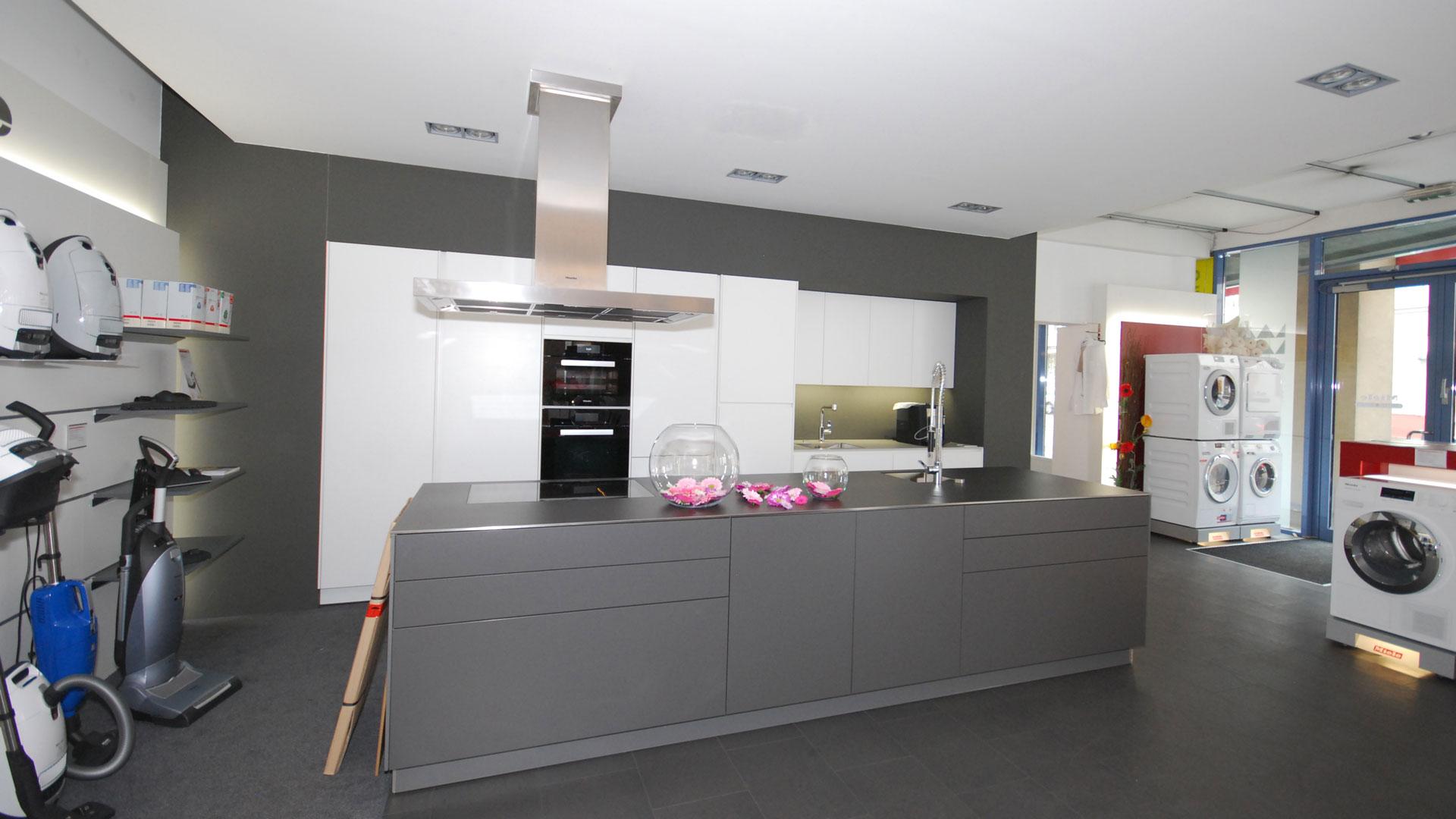 Abverkaufsküchen bei Miele Center Bauer Wien