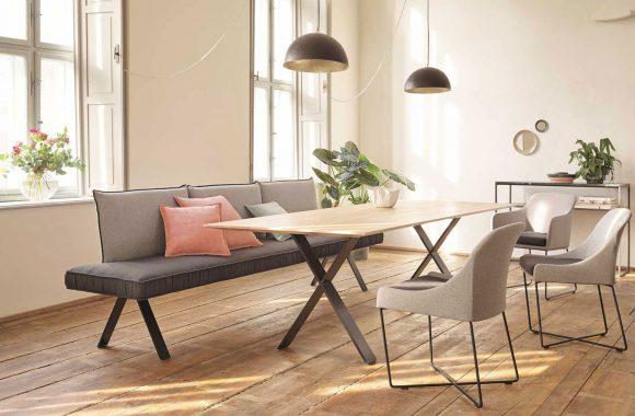 Moderner Möbelmix für die offene Wohnküche