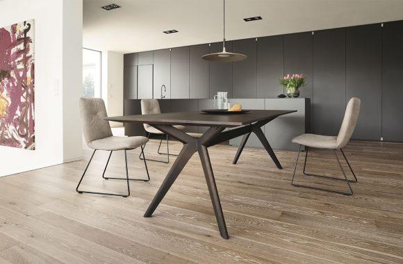 Design-Esstisch für die offene Wohnküche