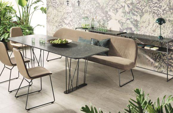 Gemütliche Sitzbank im modernen Design