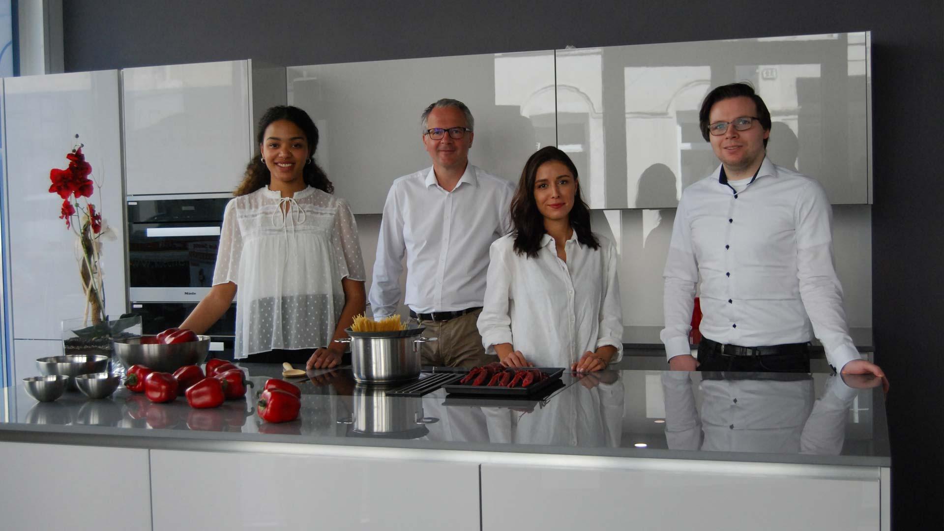 Gemeinsam in der Küche in Wien bei Miele Center Bauer