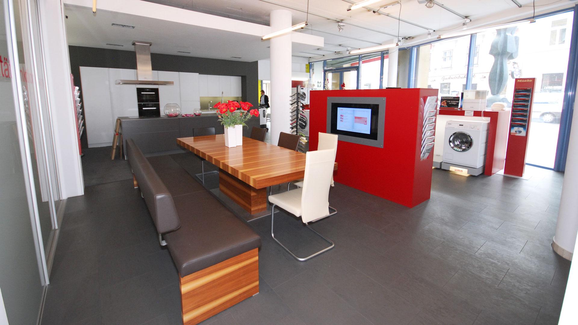 Beratung und Kompetenz von Miele Center Bauer für Ihre Küchenberatung in Wien