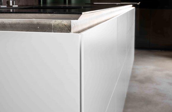 Warendorf Designküche Kücheninsel - Weiß Glattlack | Eiche